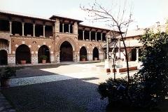 Villa Pizzi Guidoboni-(cortile interno) - Serafino Belloni