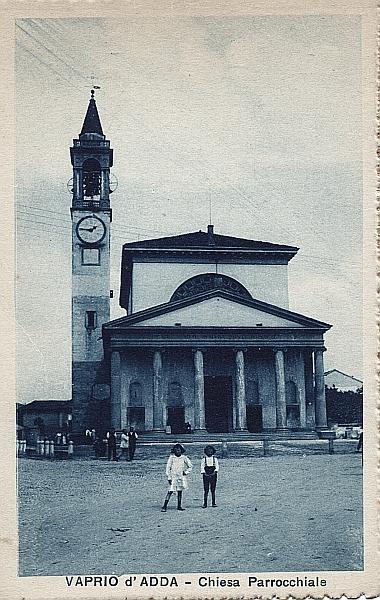 Vaprio d'Adda-piazza Chiesa 2