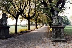 Villa Castelbarco viale interno - Valentino Corazza